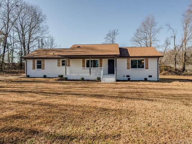 2703 Shirley Drive, Matthews, NC 28104 (#3697373) :: Scarlett Property Group
