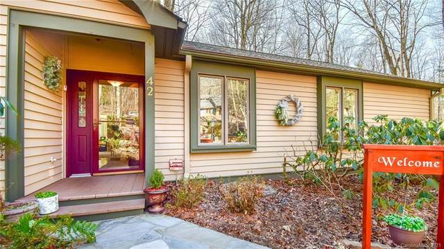 42 Mulberry Court, Hendersonville, NC 28739 (#3699808) :: Keller Williams Professionals