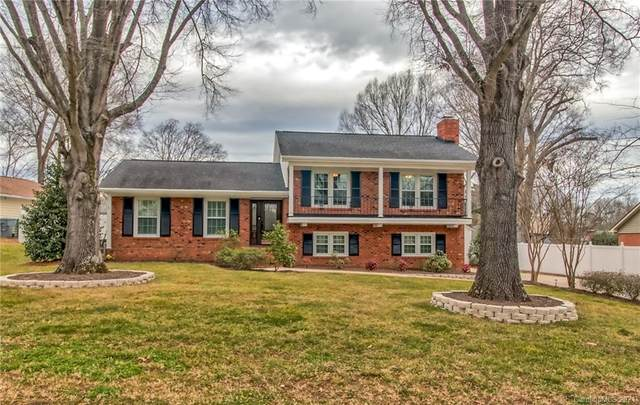6930 Old Forge Drive, Charlotte, NC 28226 (#3700385) :: Bigach2Follow with Keller Williams Realty