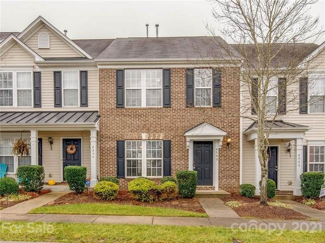 4948 Sunburst Lane, Charlotte, NC 28213 (#3700396) :: Love Real Estate NC/SC