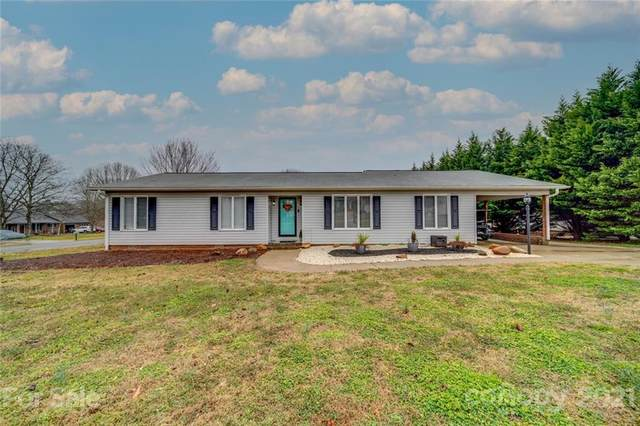 101 Lakewood Drive, Kings Mountain, NC 28086 (#3701691) :: Carver Pressley, REALTORS®