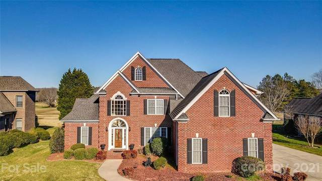 1924 Links Lane, Matthews, NC 28104 (#3702211) :: MOVE Asheville Realty