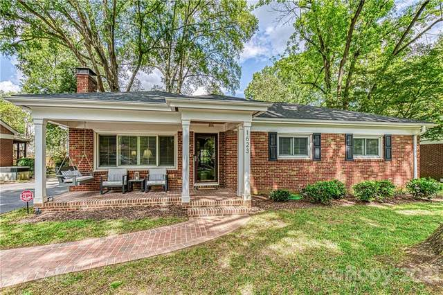 1623 Geneva Court, Charlotte, NC 28209 (#3702757) :: LePage Johnson Realty Group, LLC