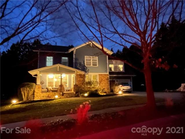2024 Emerald Pines Drive, Tega Cay, SC 29708 (#3704028) :: MOVE Asheville Realty