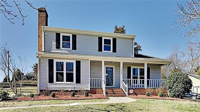 11242 Kingfisher Drive, Charlotte, NC 28226 (#3704971) :: DK Professionals Realty Lake Lure Inc.