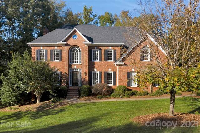 8742 Oakthorpe Drive, Charlotte, NC 28277 (#3706973) :: Home and Key Realty