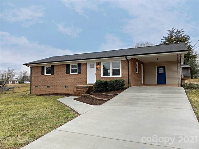5505 Valley Field Road, Hickory, NC 28602 (#3707118) :: Ann Rudd Group