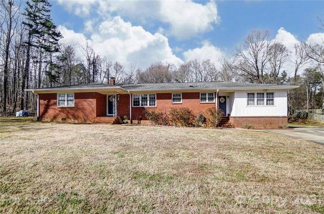 8533 Pine Circle, Charlotte, NC 28215 (#3707423) :: Keller Williams South Park