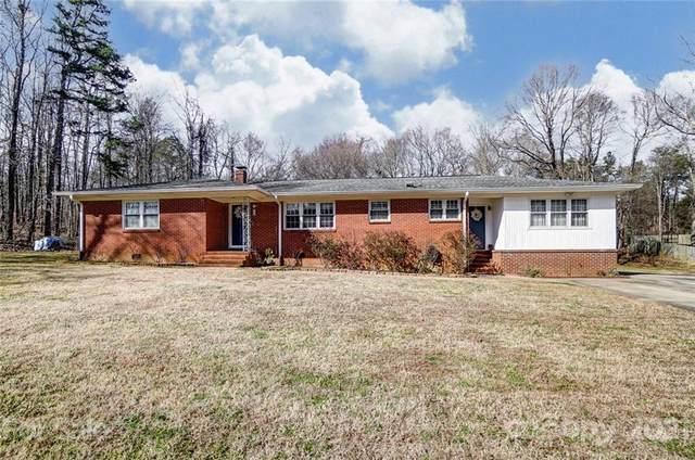 8533 Pine Circle, Charlotte, NC 28215 (#3707423) :: Love Real Estate NC/SC