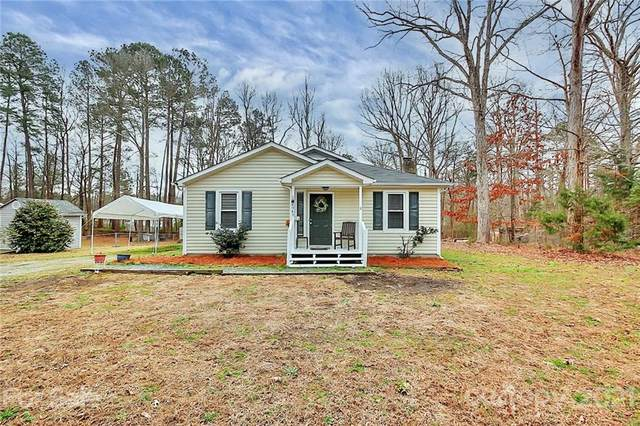 4949 Country Oaks Drive, Rock Hill, SC 29732 (#3708029) :: Love Real Estate NC/SC