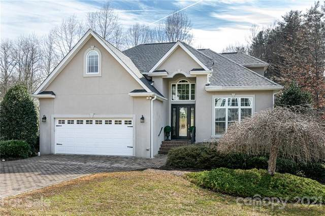450 Mistletoe Trail, Hendersonville, NC 28791 (#3708116) :: The Premier Team at RE/MAX Executive Realty
