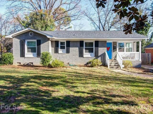 2727 Springway Drive, Charlotte, NC 28205 (#3708404) :: Besecker Homes Team