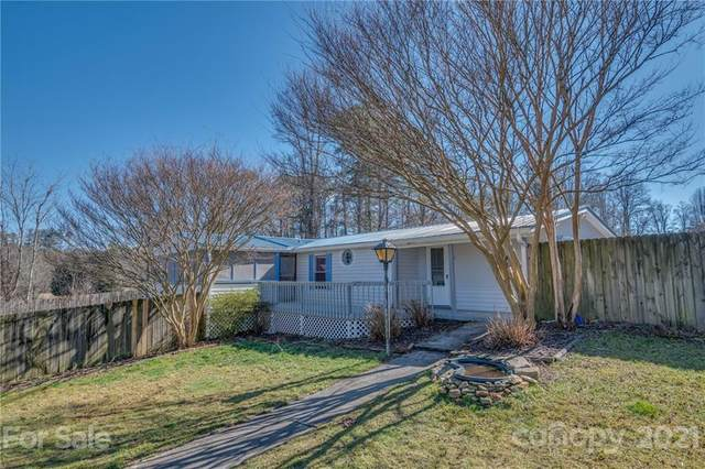 130 Holland Lane, Hendersonville, NC 28792 (#3709461) :: Scarlett Property Group