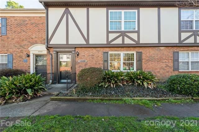 8911 Hunter Ridge Drive, Charlotte, NC 28226 (#3710169) :: High Performance Real Estate Advisors