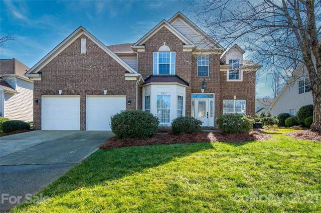8213 Lynnewood Glen Drive, Charlotte, NC 28269 (#3710251) :: Bigach2Follow with Keller Williams Realty