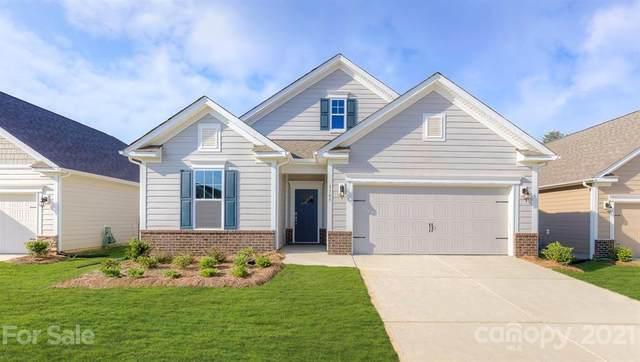 000 Summerfield Place #11, Flat Rock, NC 28731 (#3710650) :: High Performance Real Estate Advisors