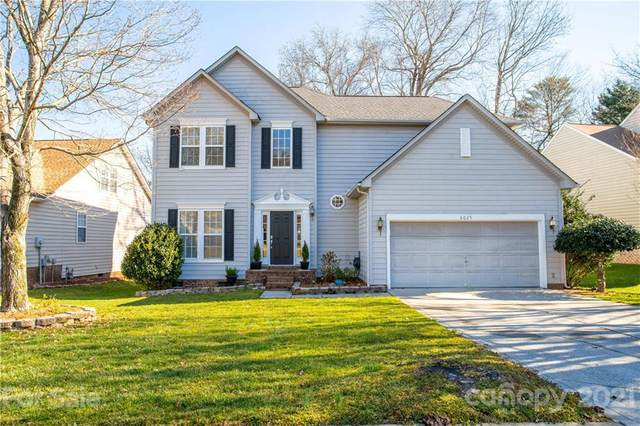 6025 Downfield Wood Drive, Charlotte, NC 28269 (#3710871) :: Homes with Keeley | RE/MAX Executive