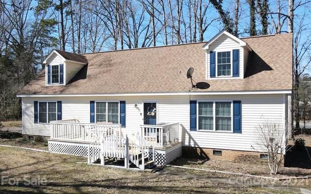 2312 Oak Grove Circle, Midland, NC 28107 (#3710906) :: www.debrasellscarolinas.com