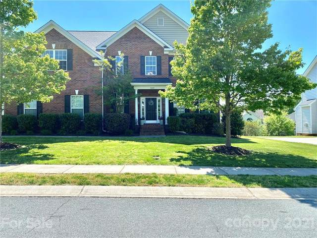 1205 Kingsford Court, Matthews, NC 28104 (#3710925) :: The Premier Team at RE/MAX Executive Realty