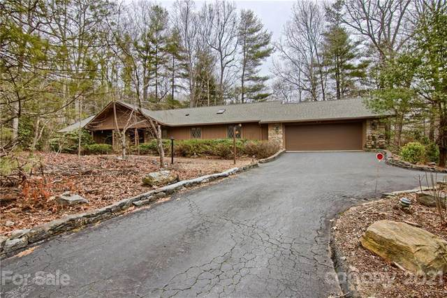 200 Camellia Way, Hendersonville, NC 28739 (#3712086) :: Scarlett Property Group