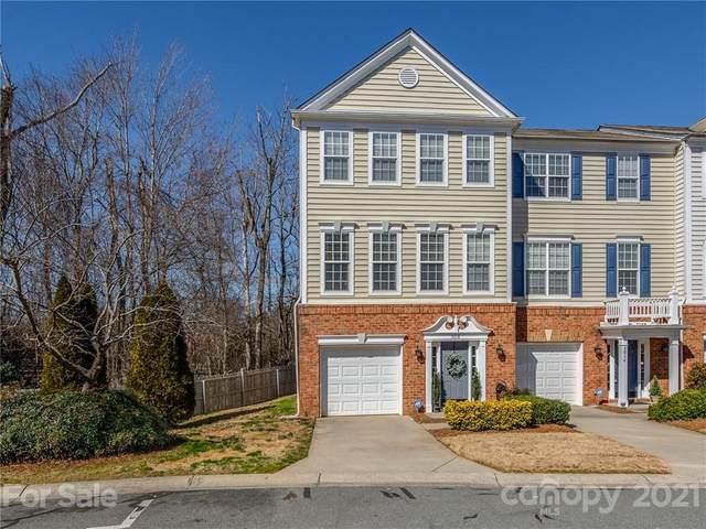 3018 Castleberry Court, Charlotte, NC 28209 (#3712308) :: Besecker Homes Team