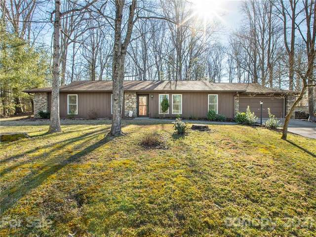 213 Dundeve Circle, Hendersonville, NC 28792 (#3712643) :: Caulder Realty and Land Co.