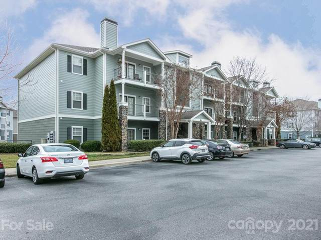 700 Vista Lake Drive #208, Candler, NC 28715 (#3712648) :: Scarlett Property Group