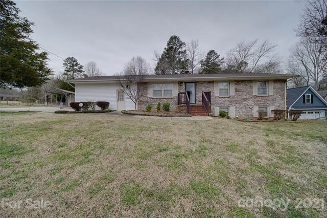 2415 Grandhaven Drive, Concord, NC 28027 (#3712822) :: Caulder Realty and Land Co.