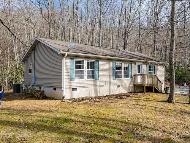 367 Sugar Hollow Road, Fairview, NC 28730 (#3713300) :: MOVE Asheville Realty