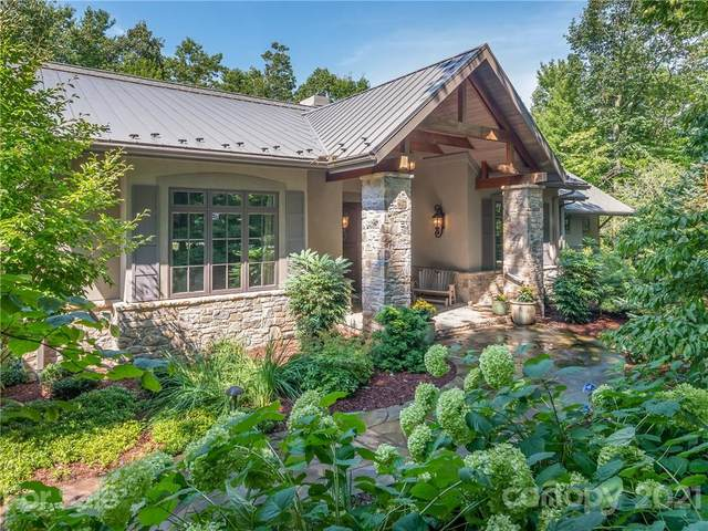 304 Piney Knoll Lane, Hendersonville, NC 28792 (#3713448) :: The Ordan Reider Group at Allen Tate