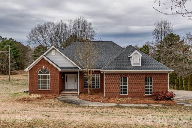 5426 Rehobeth Road, Waxhaw, NC 28173 (#3714274) :: Mossy Oak Properties Land and Luxury