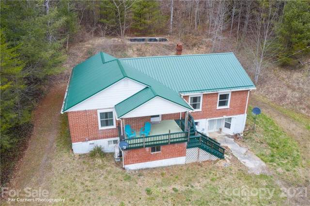 9086 Nc 208 Highway, Marshall, NC 28753 (#3714378) :: The Premier Team at RE/MAX Executive Realty