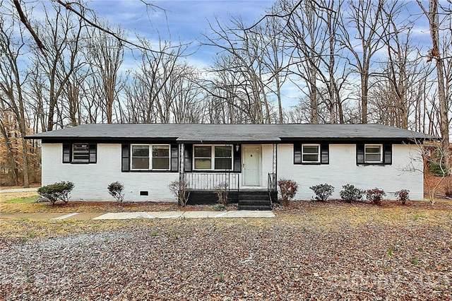 2741 Suburban Drive, Charlotte, NC 28269 (#3714489) :: Home and Key Realty