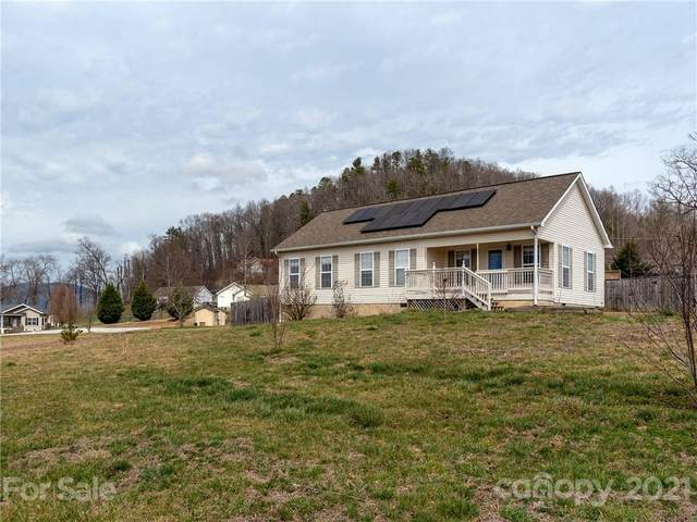 112 Ridge Field Drive, Hendersonville, NC 28792 (#3714827) :: Lake Wylie Realty
