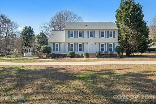 2901 Windrow Lane, Matthews, NC 28105 (#3715200) :: Caulder Realty and Land Co.