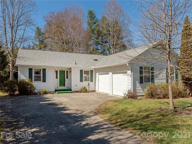 7 Teaneck Circle, Hendersonville, NC 28791 (#3715242) :: Scarlett Property Group
