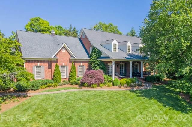 5228 Carmel Park Drive, Charlotte, NC 28226 (#3715527) :: Love Real Estate NC/SC