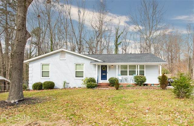 5821 Charing Place, Charlotte, NC 28211 (#3715626) :: BluAxis Realty