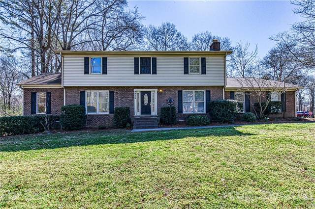 2648 Camelot Drive, Rock Hill, SC 29732 (#3715699) :: The Premier Team at RE/MAX Executive Realty