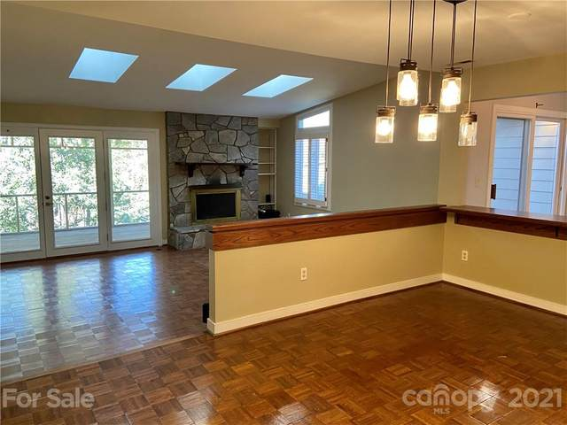 6406 Montvale Court, Charlotte, NC 28226 (#3715790) :: High Performance Real Estate Advisors