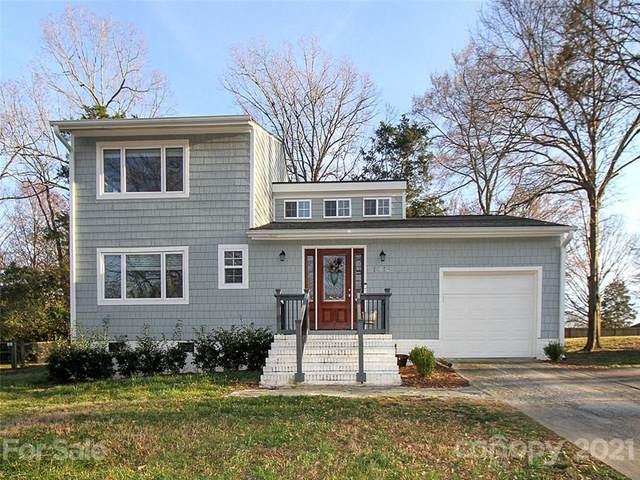 11113 Blue Heron Drive, Charlotte, NC 28226 (#3717531) :: Carver Pressley, REALTORS®