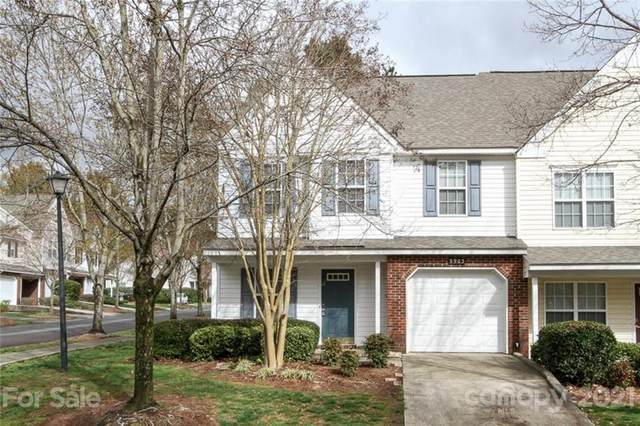 9903 Reindeer Way Lane, Charlotte, NC 28216 (#3720487) :: The Premier Team at RE/MAX Executive Realty