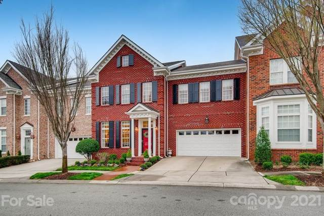 6213 Wakehurst Road, Charlotte, NC 28226 (#3722631) :: Rowena Patton's All-Star Powerhouse