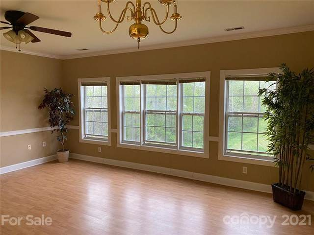 8925 Meadow Vista Road, Charlotte, NC 28213 (#3723484) :: Odell Realty