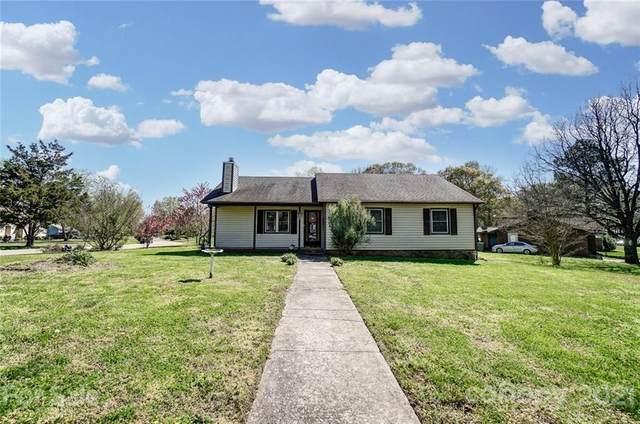 1901 Ranchwood Drive, Charlotte, NC 28217 (#3723759) :: Ann Rudd Group