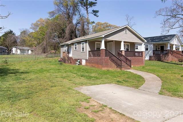 4401 Glenwood Drive, Charlotte, NC 28208 (#3723813) :: Carver Pressley, REALTORS®