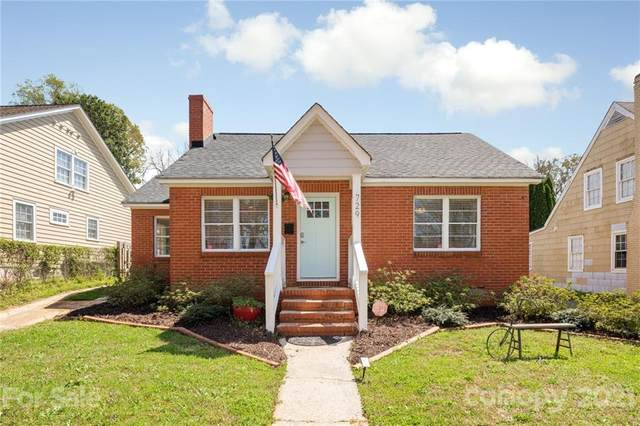 729 Woodruff Place, Charlotte, NC 28208 (#3724911) :: Willow Oak, REALTORS®