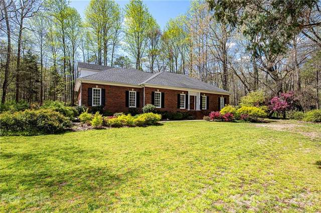 400 Timber Lane, Weddington, NC 28104 (#3724950) :: The Ordan Reider Group at Allen Tate