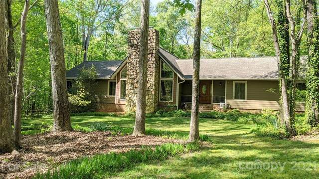 500 Auckland Lane, Matthews, NC 28104 (#3725506) :: Home and Key Realty