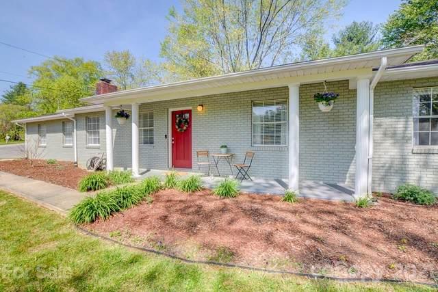 40 Acorn Drive, Hendersonville, NC 28792 (#3725556) :: Johnson Property Group - Keller Williams